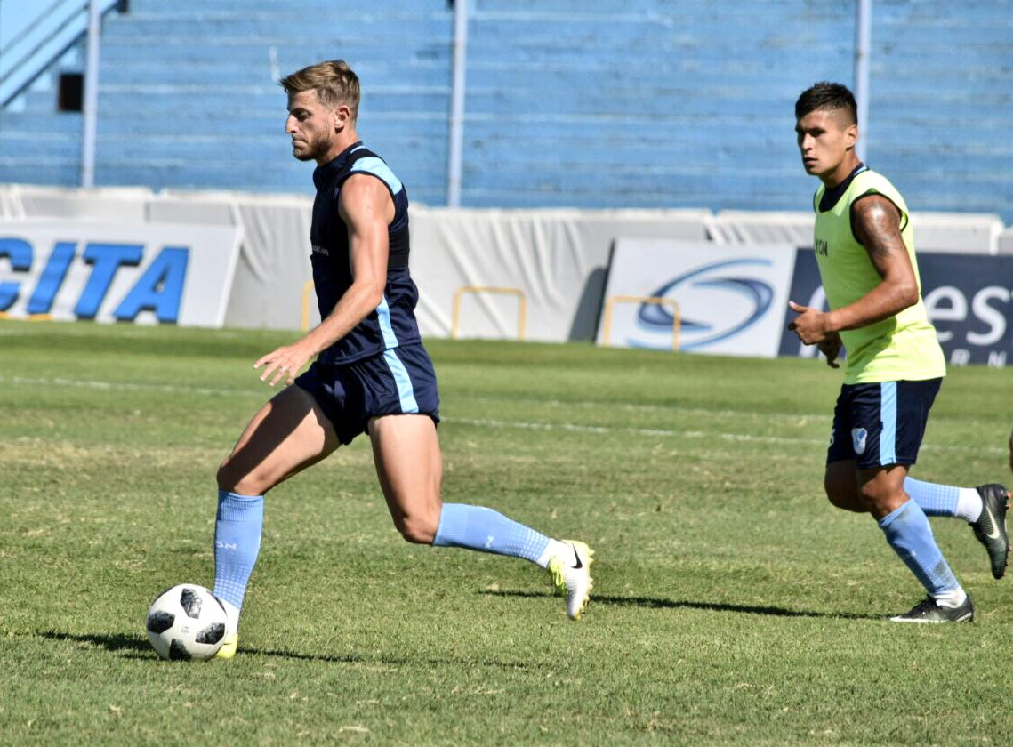 TEMPERLEY SE MIDE ANTE RACING