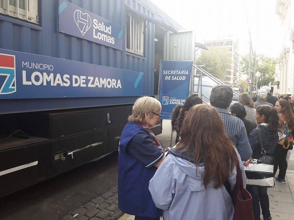 TRAILER SANITARIO EN EL CENTRO DE LOMAS