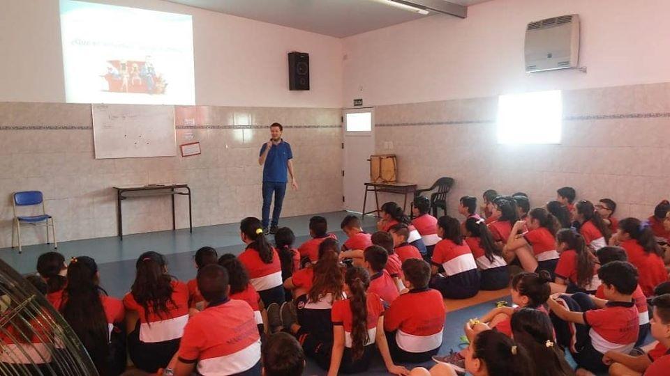 CHARLAS DE EDUCACIÓN SOBRE LAS REDES SOCIALES EN COLEGIOS