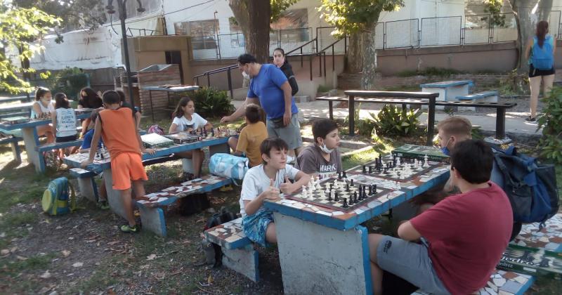 CLASES GRATUITAS DE AJEDREZ EN EL CLUB TEMPERLEY