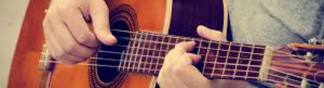 CURSO GRATUITO Y VIRTUAL DE GUITARRA